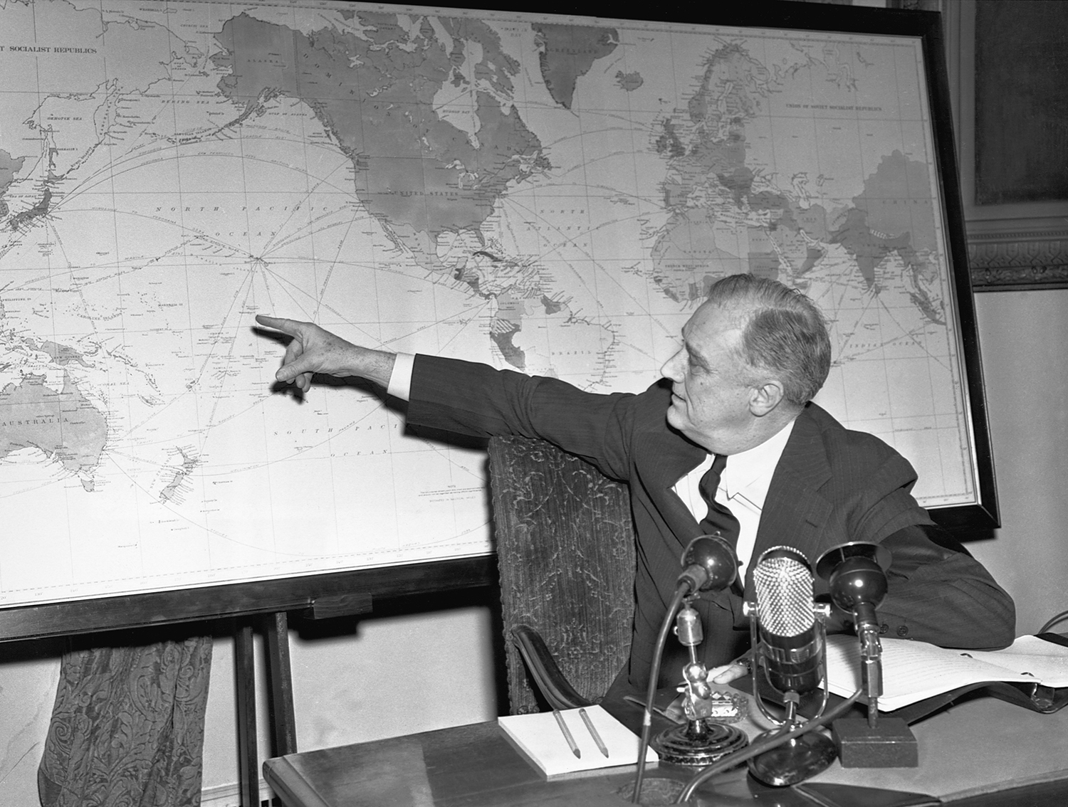 roosevelt foreign policy gettyimages 514700306.jpg