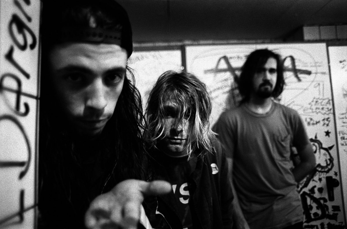 dave grohl with the rest of nirvana 1200x792.jpg